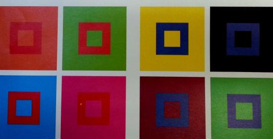 באיפור או ציור אמנות, אם רוצים ליצור הצללות ניתן להשתמש בצבעים מנוגדים | סטודיו לאמנות